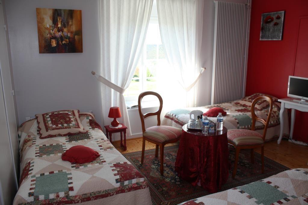 Manoir de Guetteville chambre rouge 1