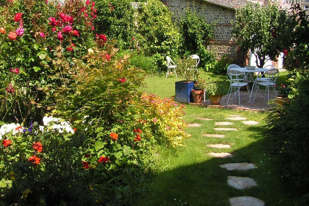 GORBEAU jardin fleuri 1